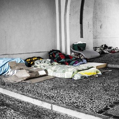 homeless-2090507_1280